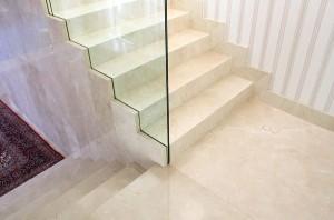 escada-em-marmore-crema-marfil-1